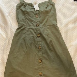 Green front button dress
